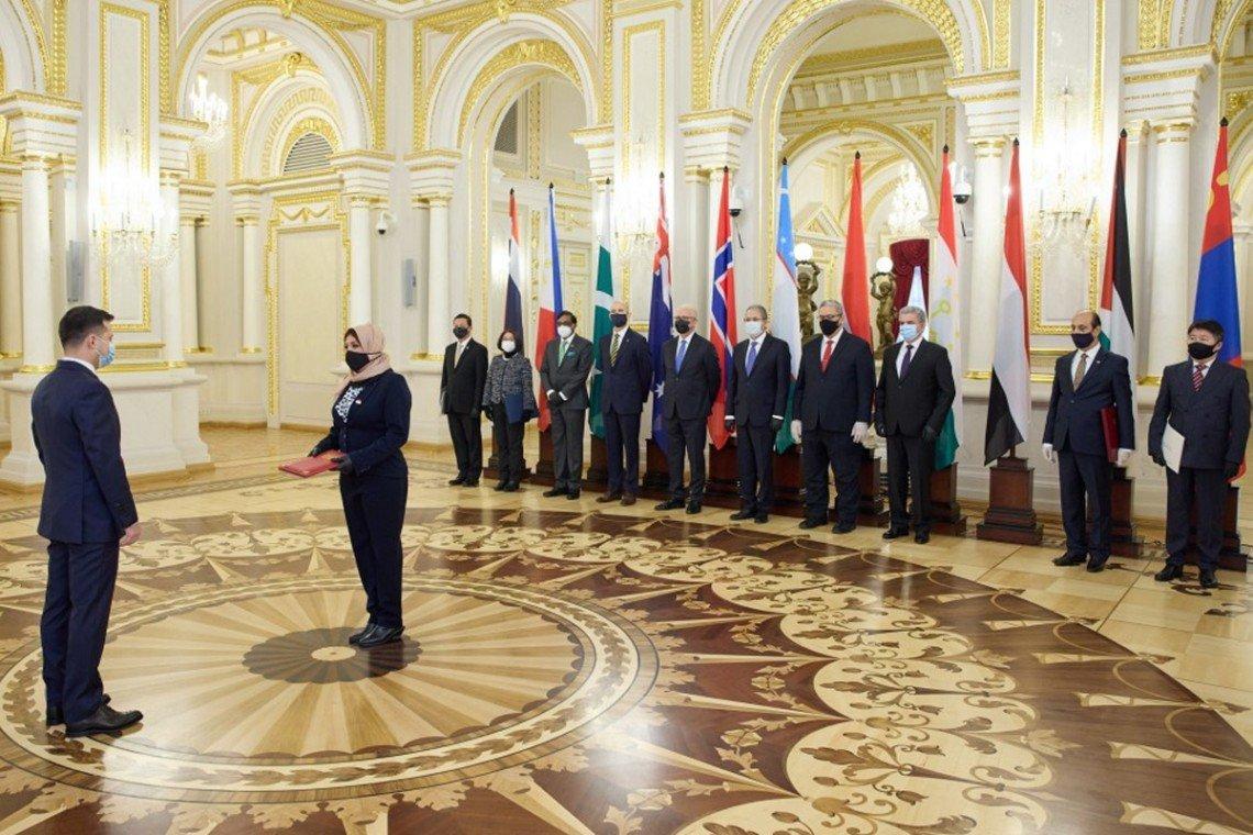 الرئيس فولدمايير يقبل اوراق اعتماد مجموعة من السفراء