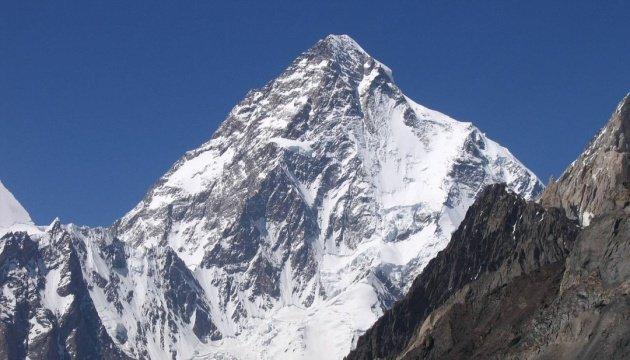 احتلال ثاني أعلى جبل في العالم لأول مرة في فصل الشتاء.