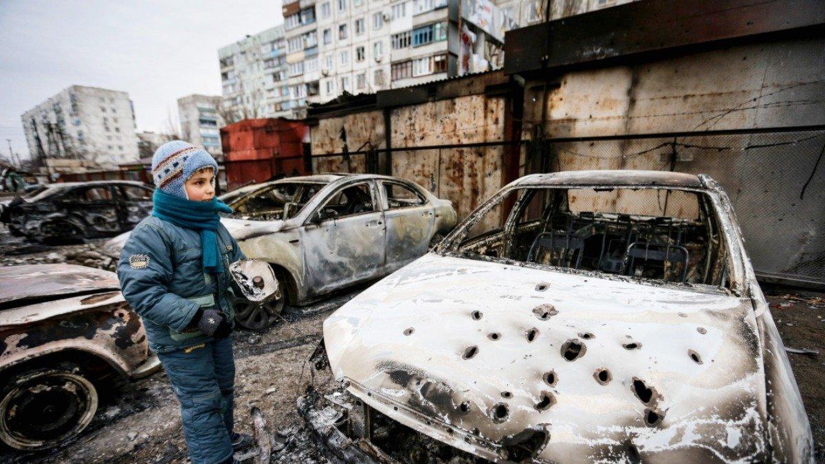 الاوكرانيون يحييون الذكرى السادسة لهجوم ماريويول
