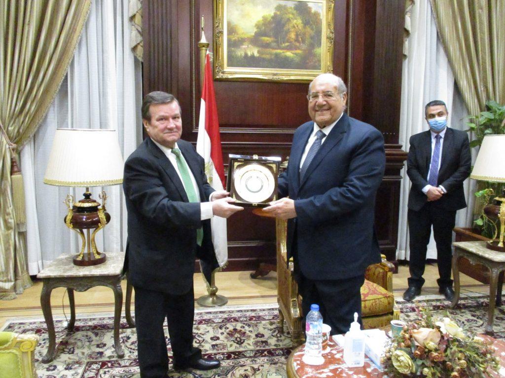 السفير الاوكراني في مصر يلتقي رئيس مجلس الشيوخ