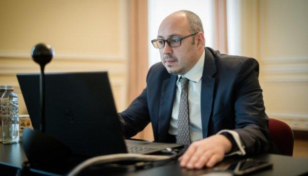 دبلوماسيون يساعدون منتجي المواد الغذائية الاوكرانية
