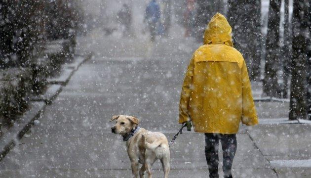 تعاني العاصمة الإسبانية من أكبر تساقط للثلوج منذ عقود