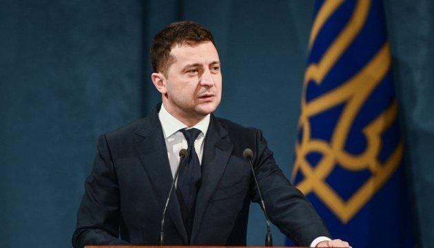 زيلينسكي يهنئ الأوكرانيين بيوم الوحدة