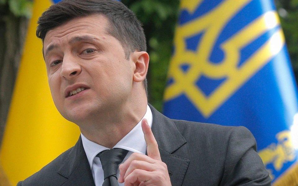 زيلينسكي يوقع على قرار مجلس الامن