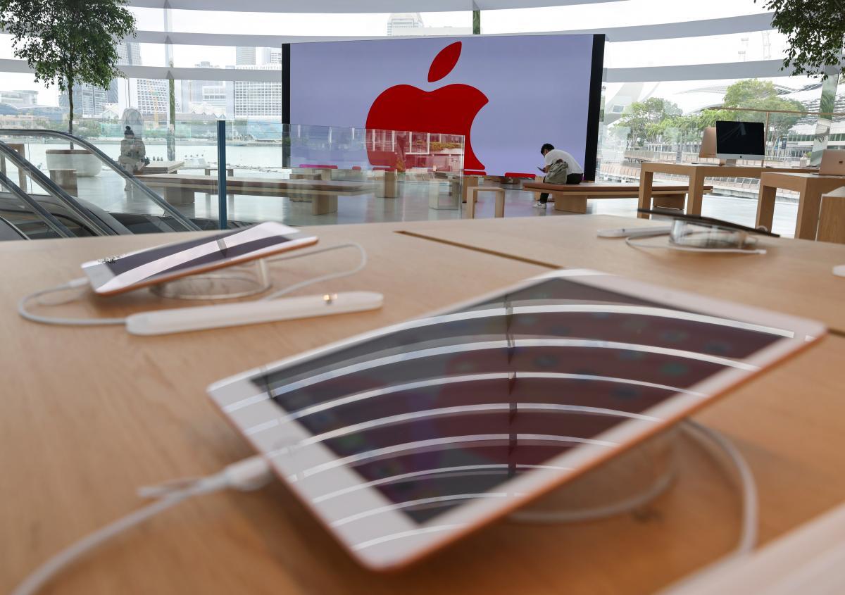 شركة Apple تصرح بأن iPhone 12 يمكن أن يكون خطراً على الصحة