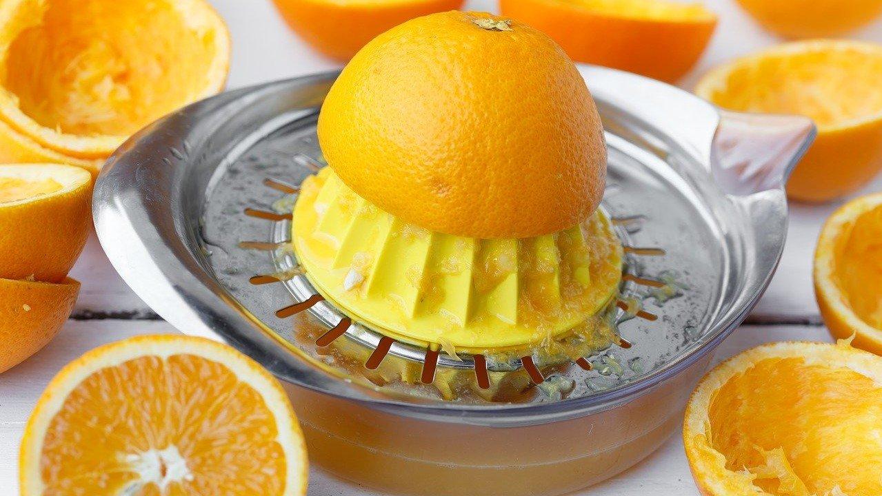 فوائد عصير البرتقال وموانع استعماله