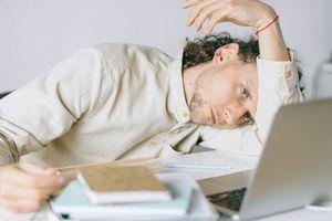 ابرز اسباب التعب المستمر في العمل وكيفية التخلص منها