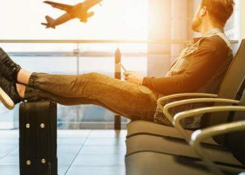 افضل 8 طرق للتوفير خلال السفر الجوي
