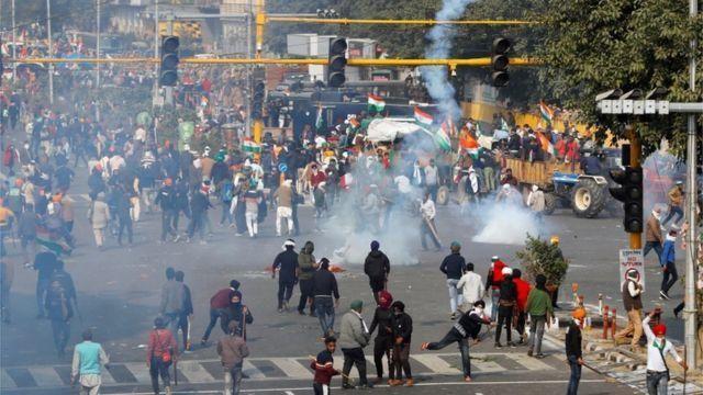 الهند تحصن عاصمتها وتحفر حولها الخنادق