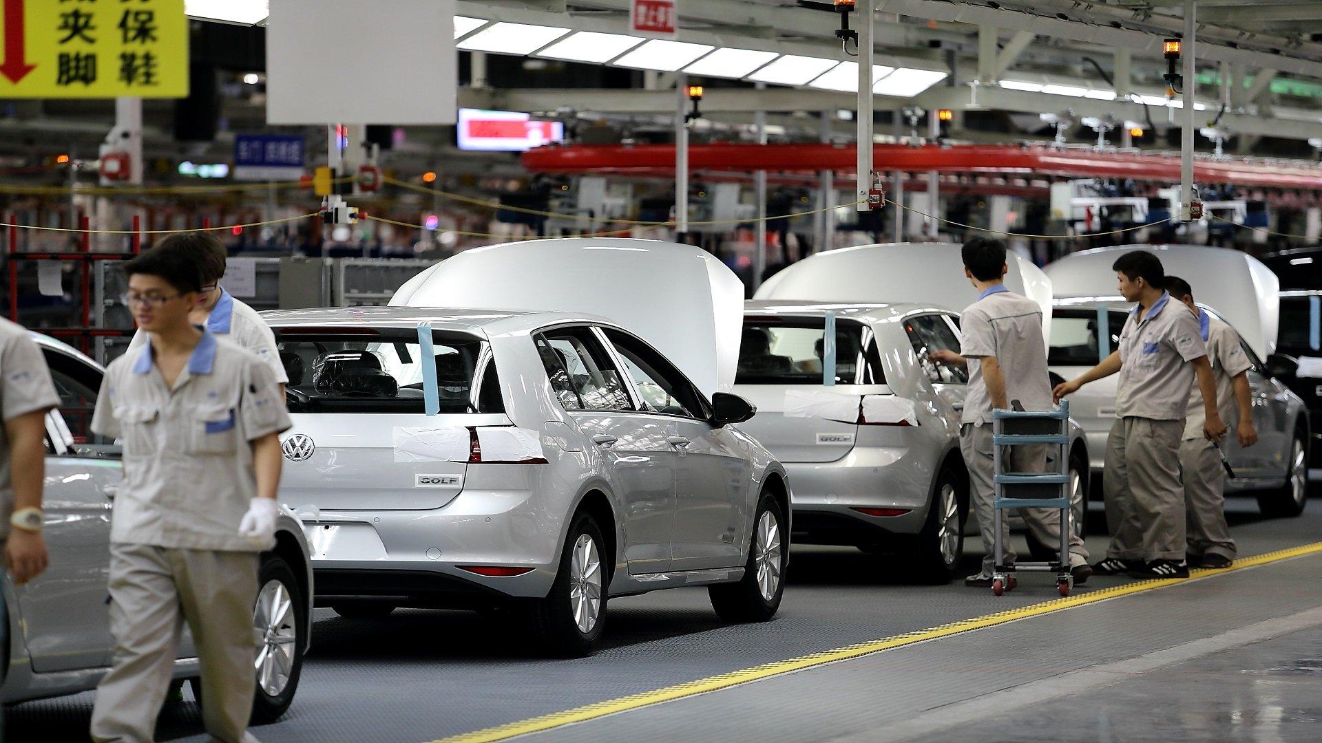انهار سوق السيارات الجديدة بسبب كورونا.