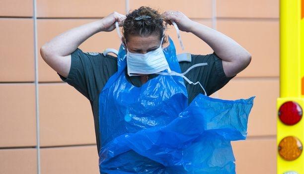 بريطانيا تعلن عن اعراض جديدة لسلالتها المتحورة