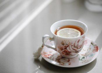 تعرف على اهم فوائد الشاي بالليمون