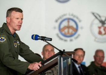 تود والترز قائد القوات الأمريكية والقوات المتحالفة في أوروبا