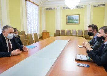 جوفكفا و السفير الإيطالي يناقشان موعد وصول لقاح كورونا الى اوكرانيا