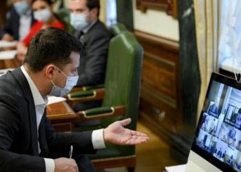 زيلينسكي يدعو حكومته الى شرح الية التقديم للحصول على اللقاح للمواطنين