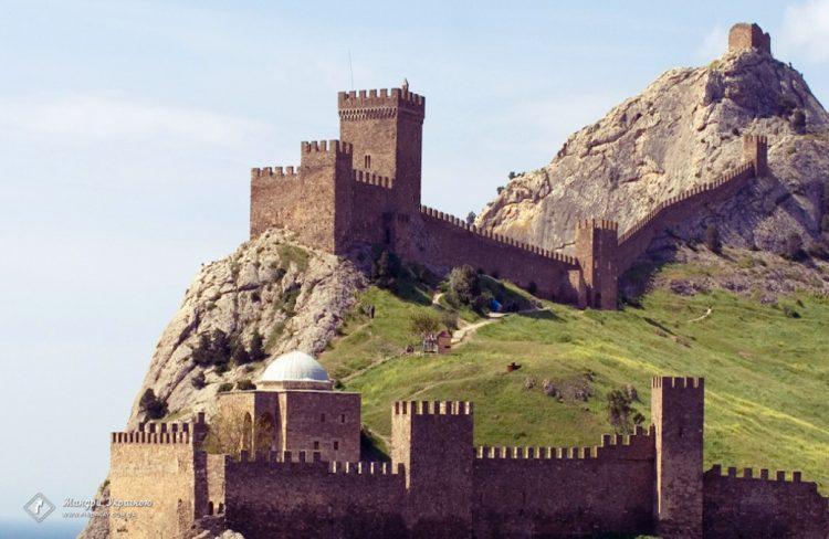 قلعة جنوة..سوداك..هندسة معمارية خلابة