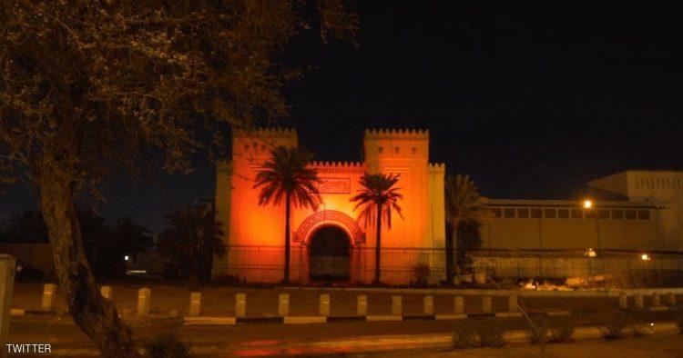 """""""لون المريخ"""" يزين معالم اماراتية وعربية احتفاء بمسبار الامل"""