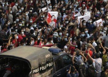 مقتل ما لا يقل عن 11 شخصًا في احتجاجات ميانمار