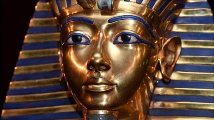 أسطورة القناع الذهبي ولعنة توت عنخ آمون