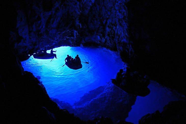 الكهف الأزرق، كرواتيا