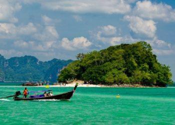 تايلاند تخطط للفتح اماكن لتلقي السياح اللقاح في يوليو