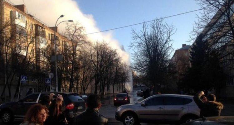 تلف في شبكة انابيب كييف يؤدي الى انقطاع التدفئة عن اكثر من مئة منزل