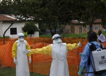 وفاة 13 شخصا بسبب الإيبولا في بلدين أفريقيين