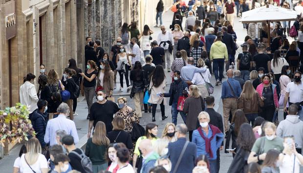 إيطاليا تخفف من إجراءات الحجر الصحي في معظم المناطق