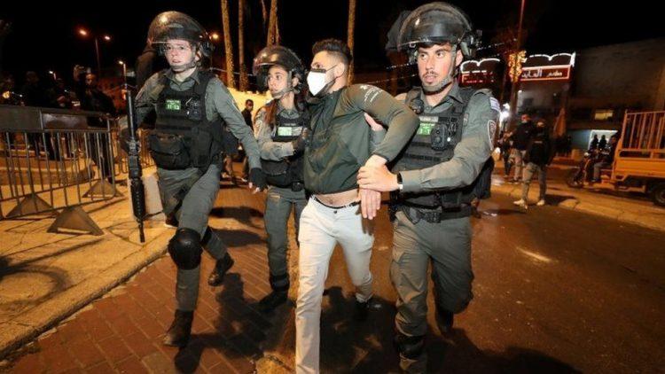 اشتباكات القدس الشرقية تخلف أكثر من 100 جريح
