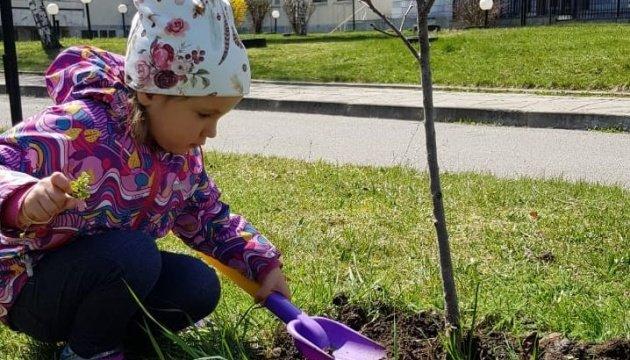الأوكرانيون في صربيا و بلغاريا يشاركون في مبادرة تخضير الكوكب