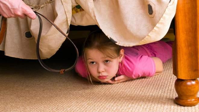 العواقب السلبية في استخدام العقاب البدني في تربية الأطفال
