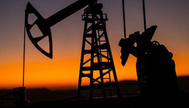 النفط يرتفع لينهي اسبوعا من الانخفاض
