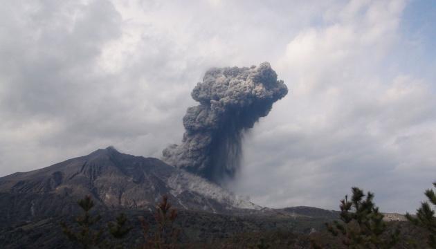 بركان ساكوراجيما يثور من جديد و السلطات اليابانية تحذر