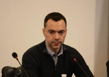 زيلينسكي يحاول التحدث إلى بوتين بعد مقتل العسكريين بالقرب من شومي - أريستوفيتش