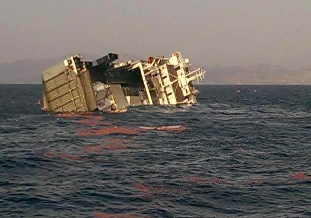 غرق عبارة تقل 50 راكبا في بنغلاديش