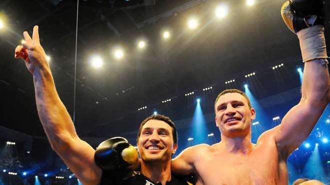 فيتالي كليتشكو يختار مع أبطال الملاكمة المشهورين أفضل المعارك في تاريخ الملاكمة