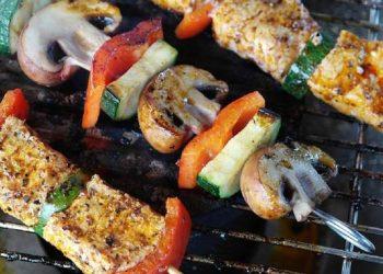 كيف يمكننا أن نجعل وجبة الشواء غير مضرة بالصحة