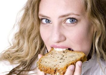 ماذا يحدث لجسمك عند التوقف عن تناول الخبز
