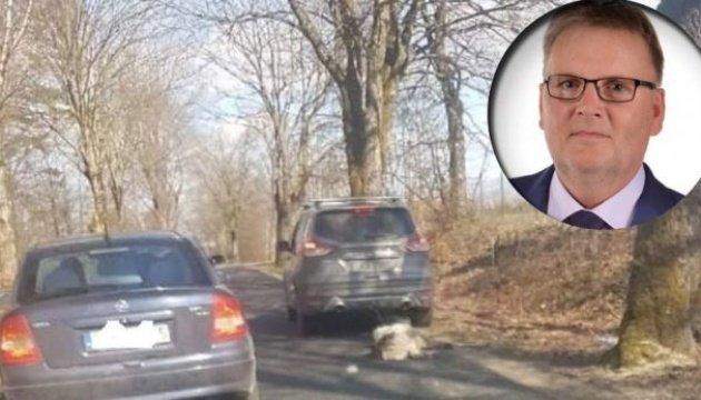محاكمة السناتور البولندي السابق فالديمار بي بتهمة إساءة معاملة الكلاب