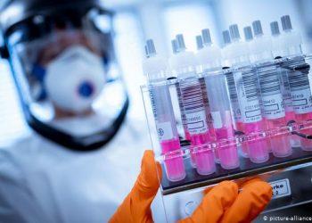 مطالبات في البوسنة لاقالة الحكومة بسبب حملة التطعيم الفاشلة