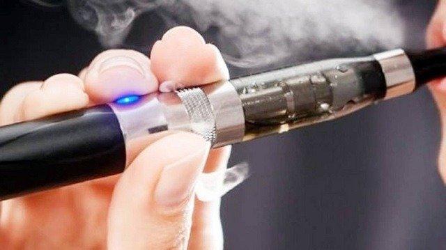 منتجات المدخنين الالكترونية التي لا تحترق بالحرارة قد تكون ضارة مثل السجائر
