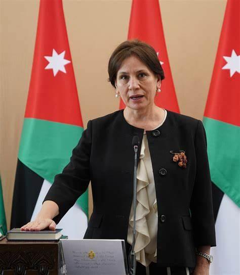 وزيرة الطاقة والموارد المعدنية الأردنية هالة زواتي