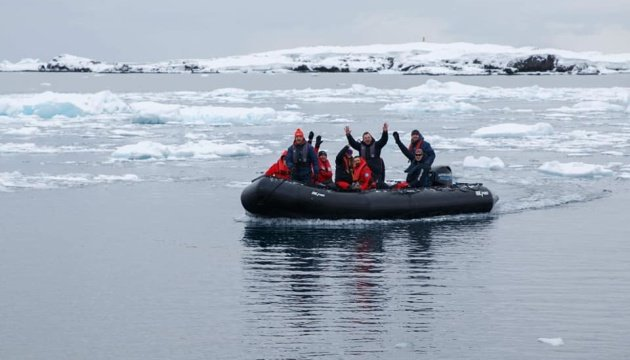 وصول البعثة الأوكرانية إلى محطة فيرنادسكي في القطب الجنوبي