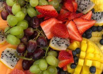 ١٠ أنواع من الأطعمة الغنية بالألياف يجب أن تأكلها