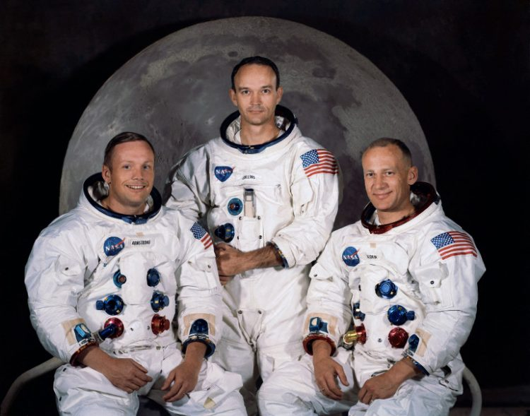 رائد الفضاء مايكل كولينز