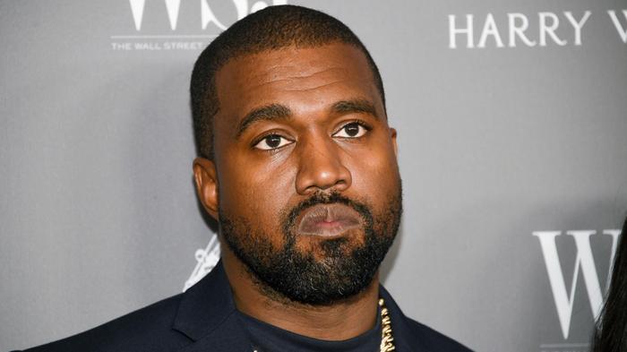 Netflix تشتري سلسلة وثائقية لـ مغني الراب كاني ويست مقابل 30 مليون دولار