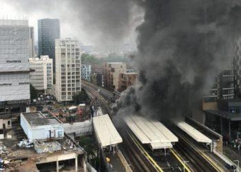 حريق ضخم يحول مدينة لندن الى مدينة رمادية