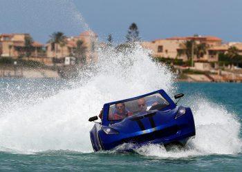 سيارات مائية مبتكرة في مصر على شواطيء الاسكندرية!!