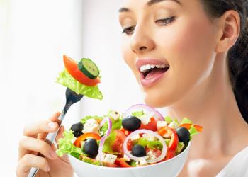 أطعمة يجب ان تكون في النظام الغذائي الصيفي للمرأة