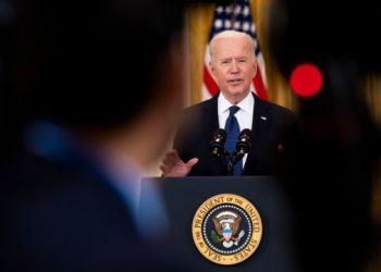 أعضاء الكونجرس يحثون بايدن على تغيير موعد زيارة زيلينسكي للبيت الأبيض